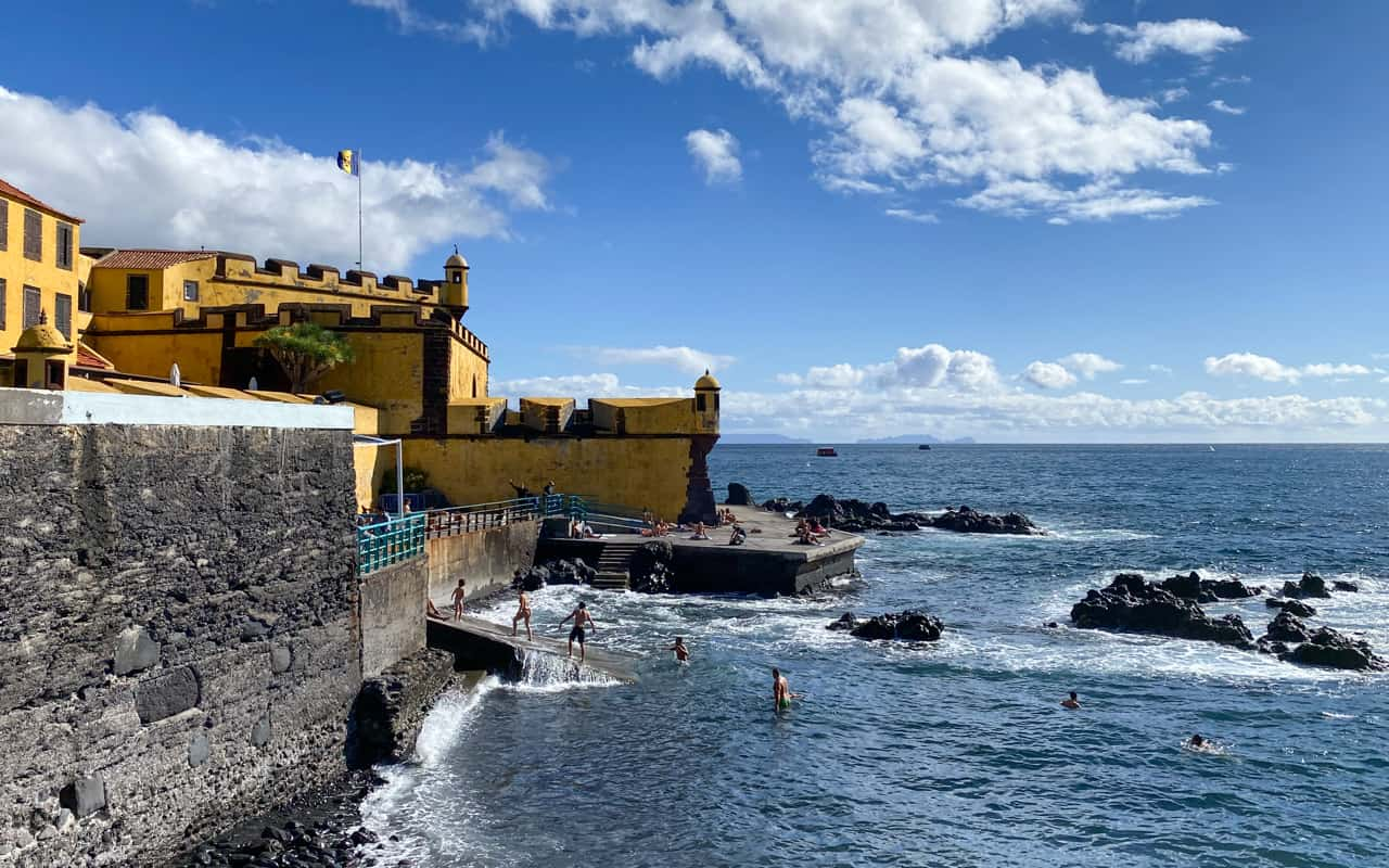 funchal-beaches-sao-tiago-beach