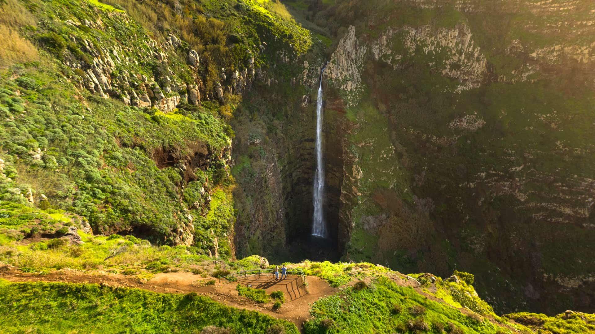 garganta-funda-waterfall-madeira