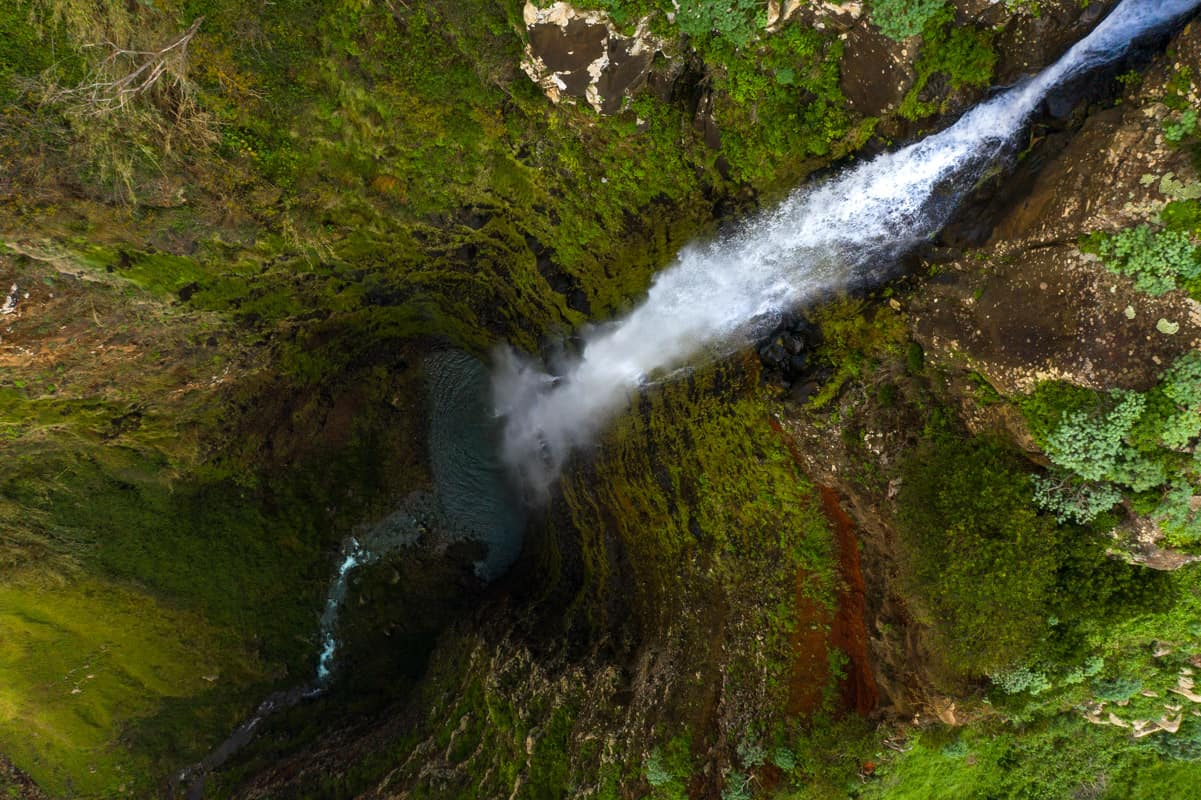 garganta-funda-waterfall-topdown-drone