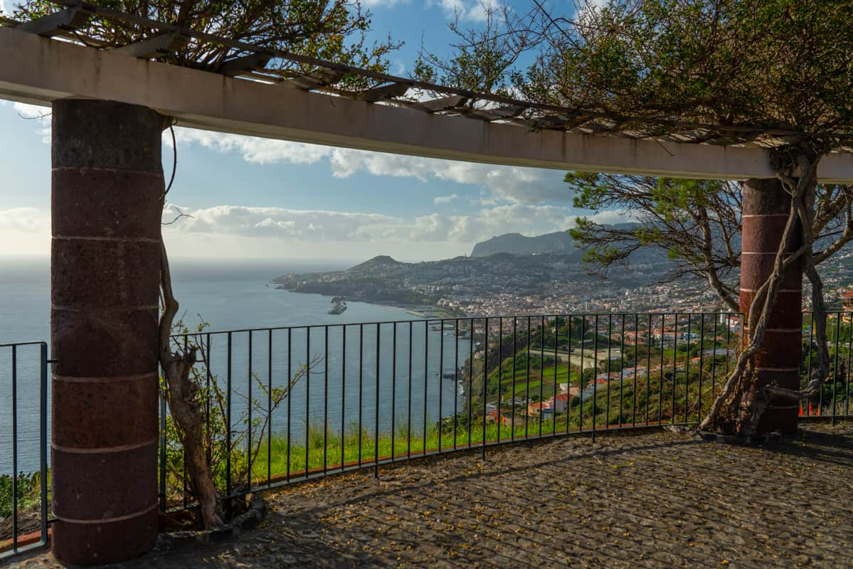 miradouro-Pináculo-viewpoint-funchal-fence