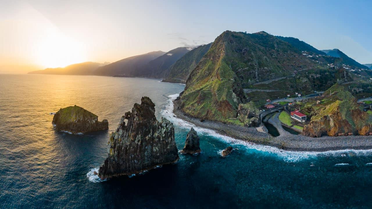 ribeira-da-janela-rocks-coastline