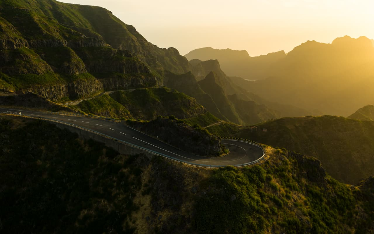 lombo-do-mouro-viewpoint-road