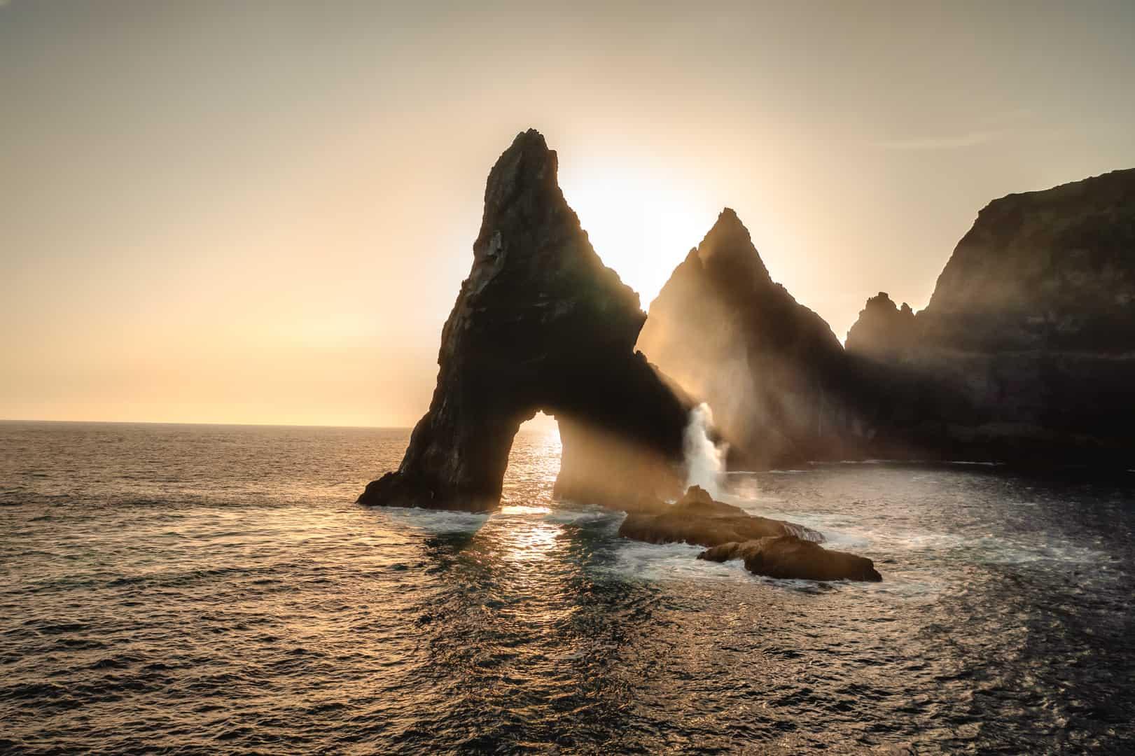 ponta-de-sao-lourenco-arch-sunrise