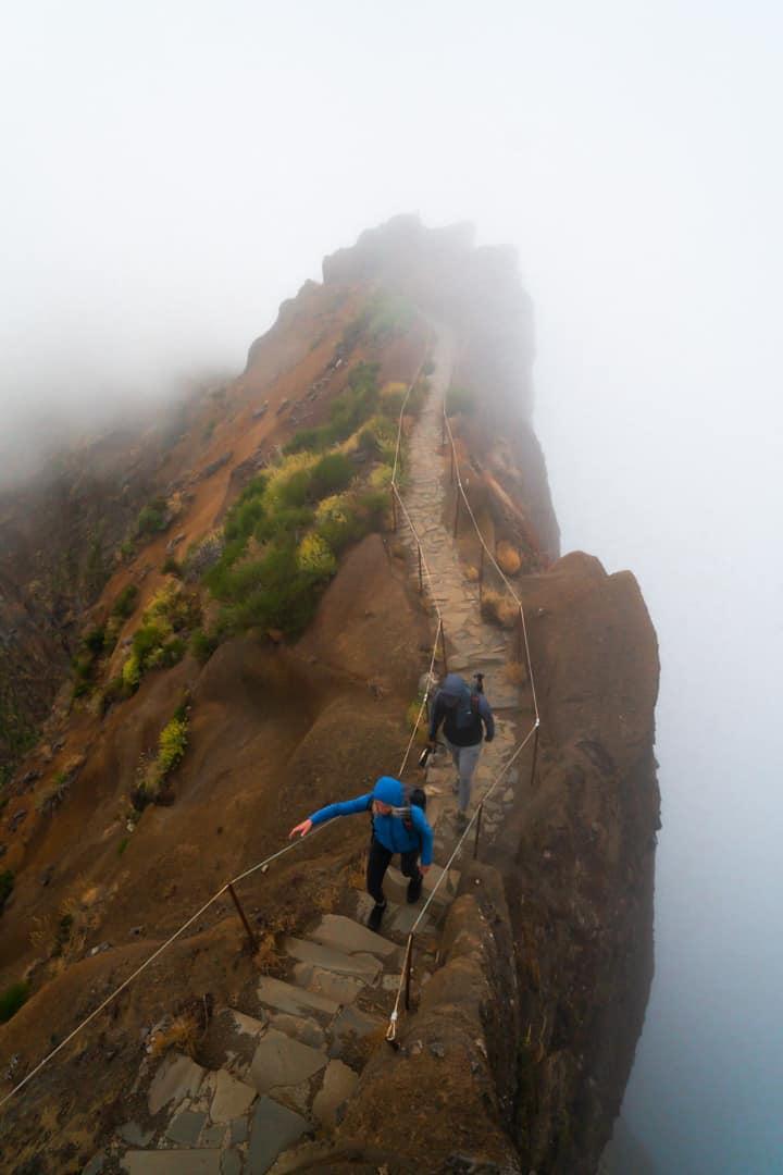 stairway-pico-arieiro-pico-ruivo-hike
