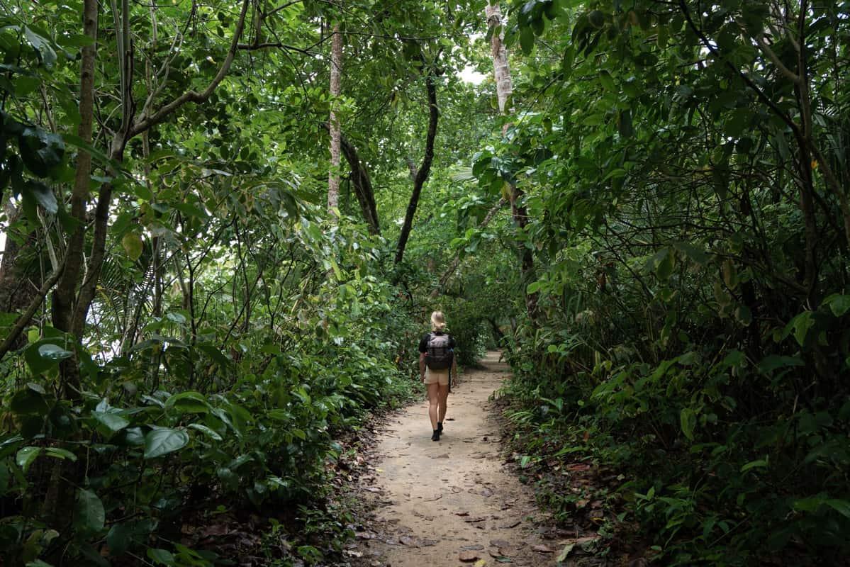 cahuita-town-trail