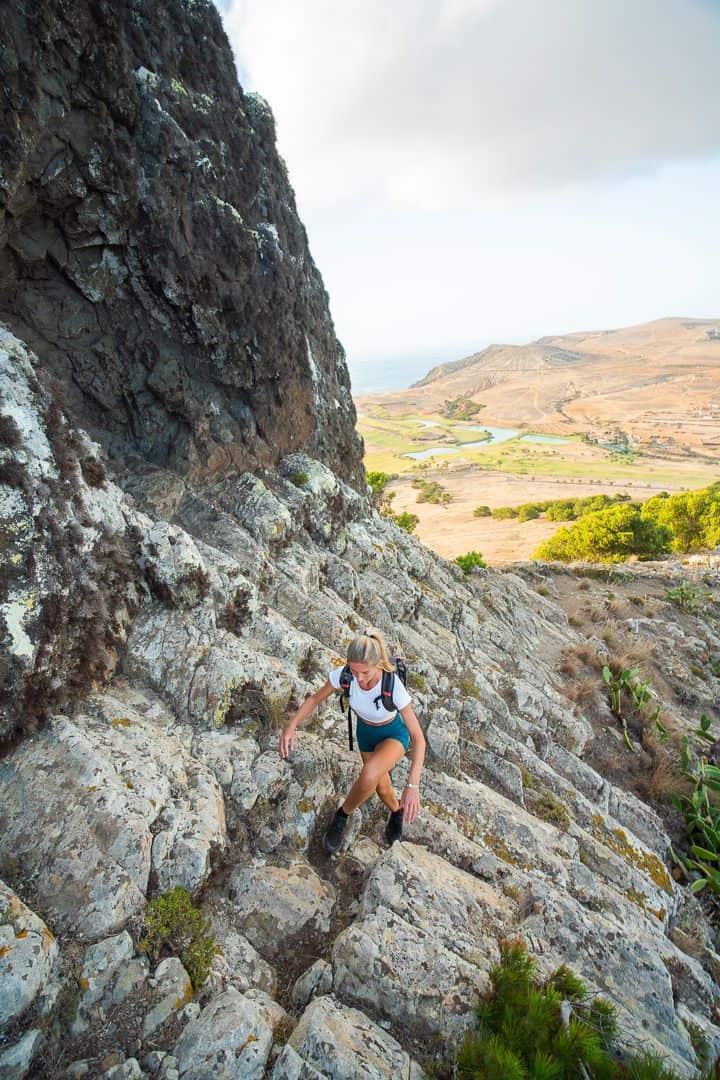 hiking-pico-de-ana-ferreira