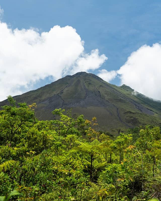 los-tucanes-hike-arenal-volcano-closeup
