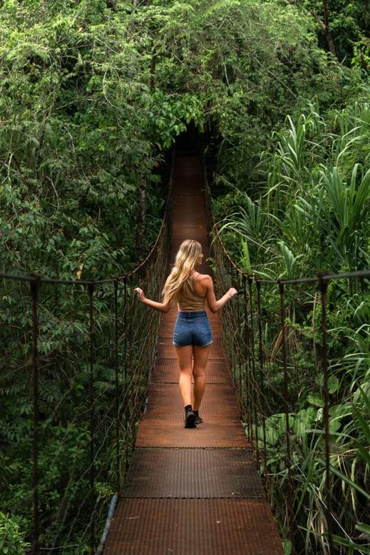 los-tucanes-hike-hanging-bridge