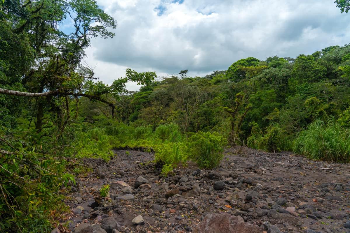 los-tucanes-hike-lava